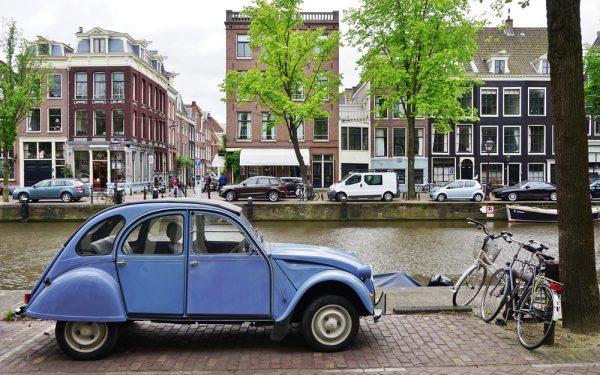 tomtom-adviseert-over-parkeerplek-grote-steden-optimist