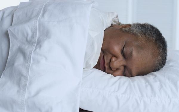 Uitslapen slecht voor gezondheid. Maar stop er niet mee.