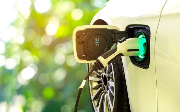 Feiten en fabels over elektrisch rijden