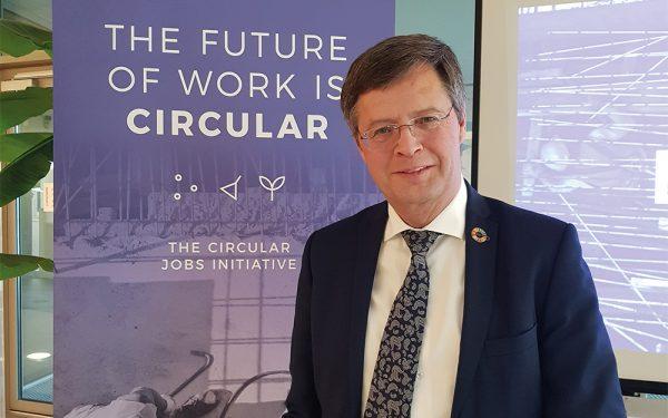 Jan Peter Balkenende: 'Niet bij mooie woorden blijven'