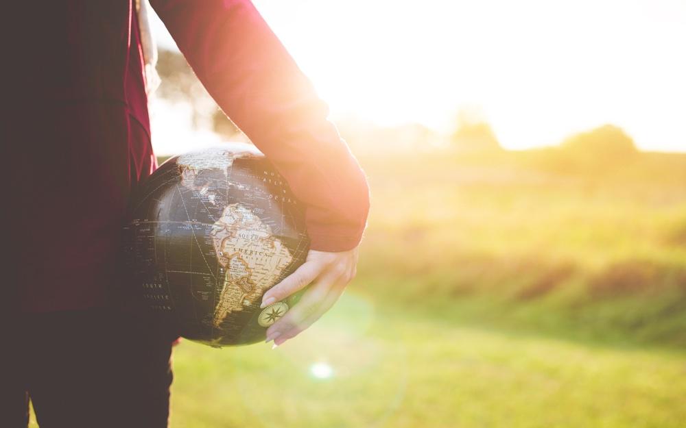 Nieuw leiderschap en richting: Een pleidooi voor aandachtskracht als basis voor wérkelijke verandering