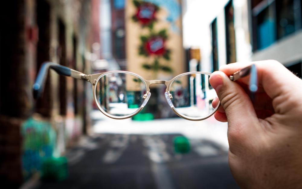 Techniek helpt blinde en dove mensen met communiceren