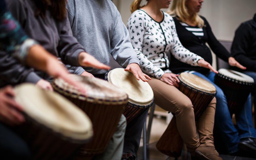 Voel het belang van ritme met muziektherapie